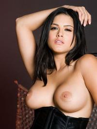 Sunny Leone Strips Off Her Lingerie 07