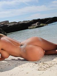 Holly Bikini Test 08