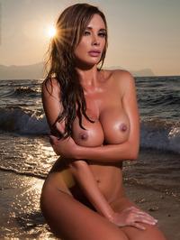 Busty Babe Kirstin Strips Off Bikini 11