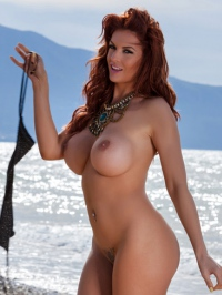 Tommie Jo Strips Off Her Sexy Bikini 06