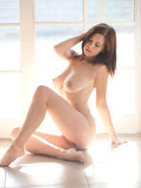 Chrissy Marie Displays All Natural Body 09