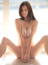 Chrissy Marie Displays All Natural Body 11