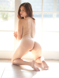 Chrissy Marie Displays All Natural Body 13