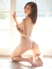 Chrissy Marie Displays All Natural Body 14