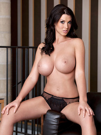 Alice Goodwin Whopping 32Gs 06