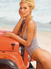 Lisa Seiffert Posing Naked Outside 00