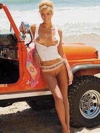Lisa Seiffert Posing Naked Outside 08