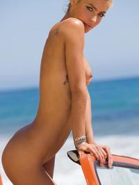 Lisa Seiffert Posing Naked Outside 11