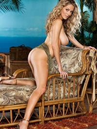Shanna McLaughlin Posing Naked Outside 04