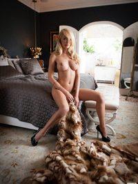 Shera Bechard stunning body 03