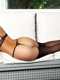 Ashleigh Hannah In Come And Get It 01