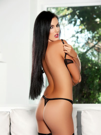 Ashleigh Hannah In Come And Get It 02