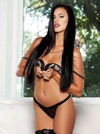 Ashleigh Hannah In Come And Get It 03