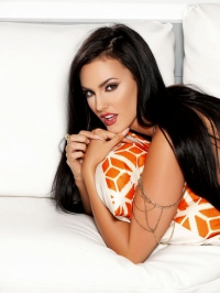 Ashleigh Hannah In Come And Get It 09