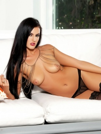 Ashleigh Hannah In Come And Get It 11