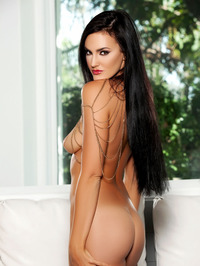 Ashleigh Hannah In Come And Get It 14