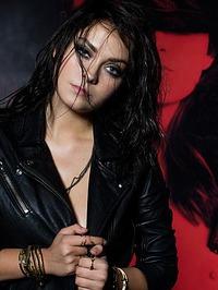 Alexandra Tyler - Dramatic 02