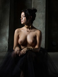 Alexandra Tyler - Dramatic 06