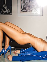 Emily Agnes Shows Off Her Perfect Body 07