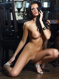 Victoria Barrett Poses Nude 14