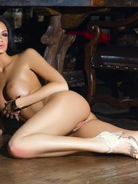 Victoria Barrett Poses Nude 19