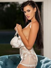 Gorgeous Ashleigh Hannah Posing Naked 01