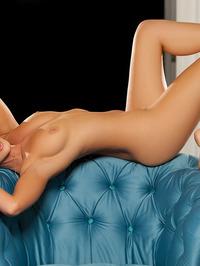 Gorgeous Ashleigh Hannah Posing Naked 20