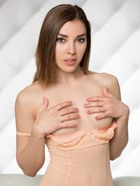 Playboy Glamour Babe Daniela 01