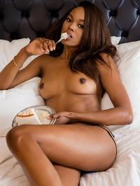Eugena Washington Ebony Beauty 03