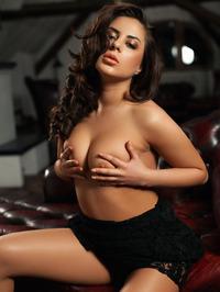 Nikki Waine Feels So Sexy 01