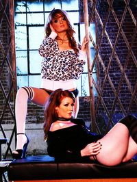 Faye Reagan And Nikki Rhodes 00