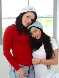 Crystal Rae And Kacey Quinn 00