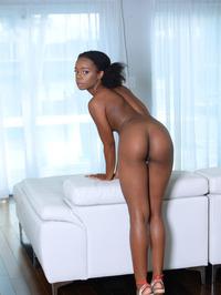Cute Ebony Teen Haylee Wynters Gets Nude 12
