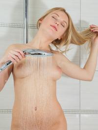 Xena Takes A Shower 02