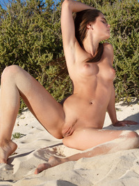 Caprice Gets Naked 09