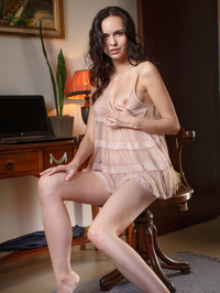 Brunette Beauty Nasita Plays With Her Pussy 00