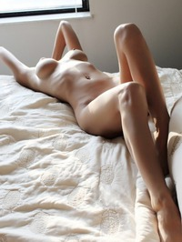 Gorgeous Amateur Babe Naked In Her Bed 07