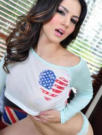 Sunny Leone - American Heart 02