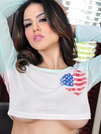 Sunny Leone - American Heart 03