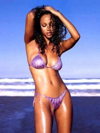 Tyra Banks Nude 04