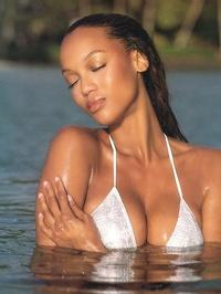 Tyra Banks Nude 08