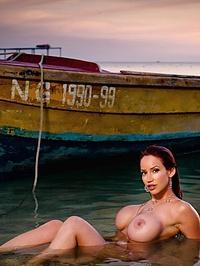 Bianca Beauchamp love boat 04