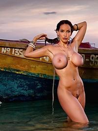 Bianca Beauchamp love boat 05