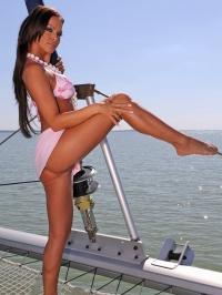 Christina sailing off to heaven 02