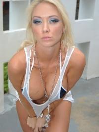 Molly Cavalli bare booty 01