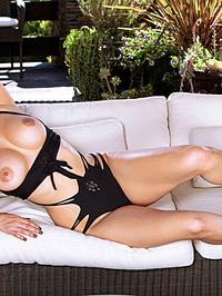 Busty Latina Sunny Leone 06