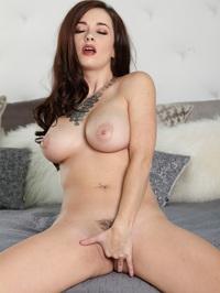 Taylor Vixen Juicy Boobs And Tasty Pussy 12