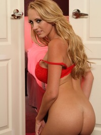 Brett Rossi Strips Off And Plays With Her Pussy 01