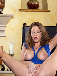 Emily Addison Exposes Juicy Tits 08