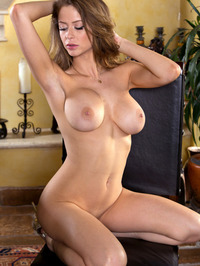 Emily Addison Exposes Juicy Tits 14